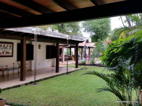 Residencia Planta Baja B° Mcal. Estigarribia. Impecable (323)