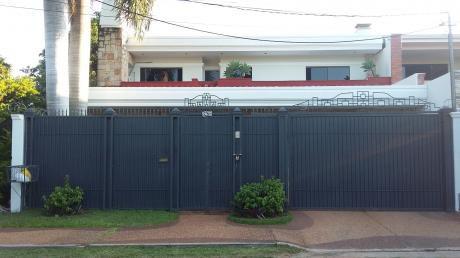 Amplia Casa En Barrio San Cristobal