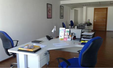 Alquiler Oficina De Categoría En Imperium Building