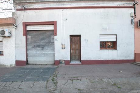 Casa A Reciclar En Muy Buen Punto De Minas