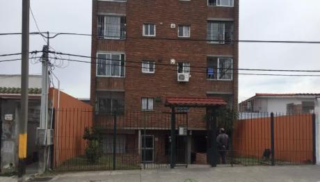 Fray Bentos Y Comercio,3 Dormitorio,$18.500 No Tiene Gastos Comunes, Si Mascotas