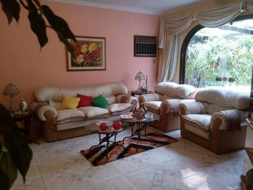 Vendo Residencia 5 Hab. C/ Piscina Bº Nazareth