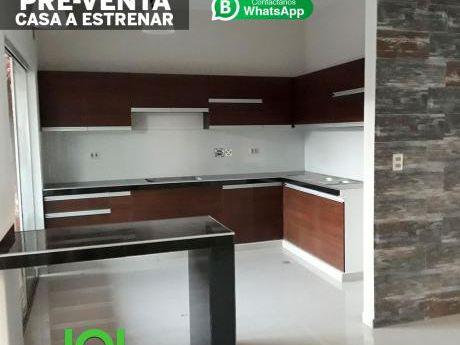 Casa Moderna De 2 Pisos Pre-venta, En Zona Céntrica En La Ciudad De Santa Cruz