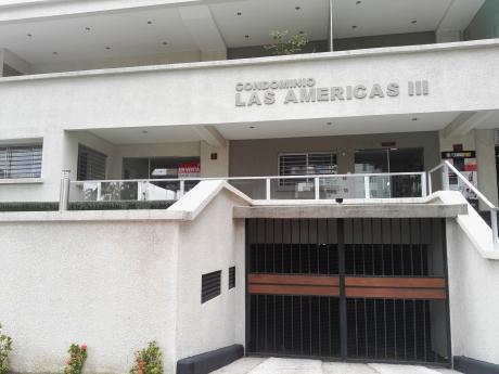 Oficina En Venta Sobre Av. Las Americas Iii