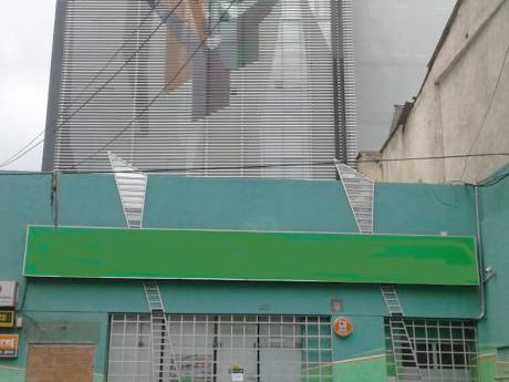 Edif. De 7 Pisos En Venta Sobre La Calle Mexico - Centro
