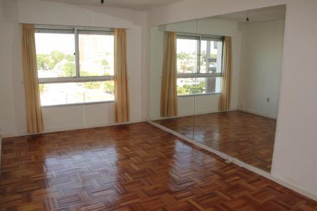 Lindo Y Completo Apto De Dos Dormitorios Parque Batlle.