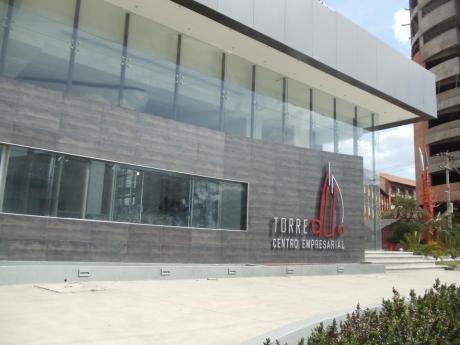 Oficina En Alquiler, Edificio Empresarial Torre Duo