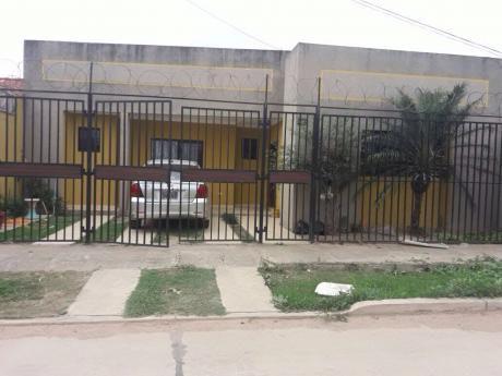 En Anticrético Y /o Venta Casa Independiente Zona Santos Dumont 5to Anillo