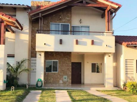 Hermosa Casa En Venta O Alquiler  Zona Norte En Condominio