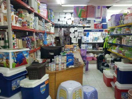 Bazar Plástico Excelente Ubicación