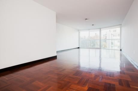 Alquiler Apto. 3 Dormitorios Y Servicio, Av. Brasil