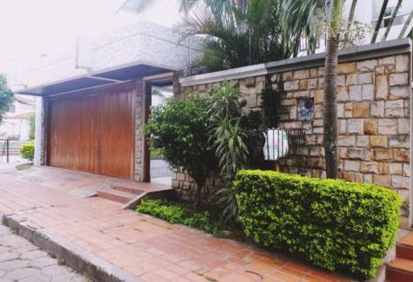 Enorme Y Preciosa Casa En Sirari, Ideal Para Oficina O Vivienda