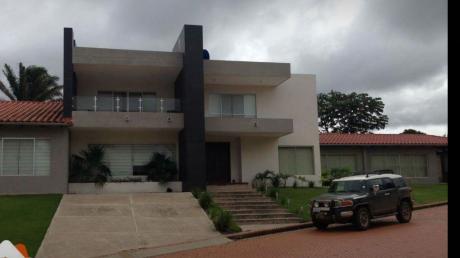 Hermosa Casa En Venta En  Urubo