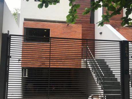 Alquilamos Hermosa Casa Tipo Triplex En Barrio Residencial!!!!