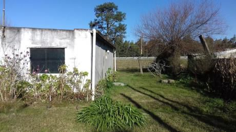 Casa 2 Dormitorios En 785 M2 Sobre Interbalnearia