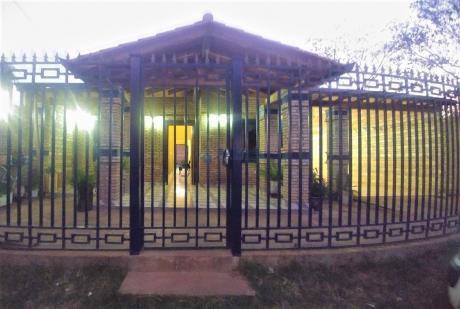 Vendo Amplia Casa Semi-nueva En San Lorenzo, PrÓximo A Avelino Martinez.