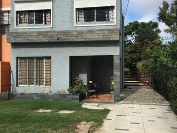 Id 10876 - Preciosa Casa Ph 3 Dormitorios Lagomar Sur