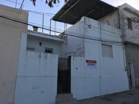 Casa Ubicada En Pueblo Nuevo - 2 Dormitorios