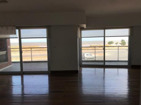 Se Vende Apartamento 3 Dormitorios En Carrasco