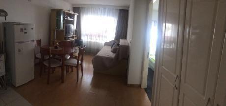 Un Dorm. Con Muebles En Cordón, Frente Al Obelisco. $16.000