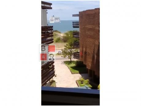 Hermoso Apartamento Sobre Rambla En Playa Mansa