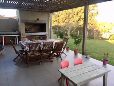 Alquiler De Casa 3 Dormitorios Barrio Privado Altos De La Tahona