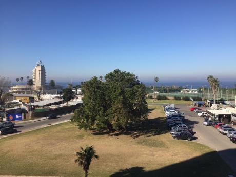 Forum Puerto Del Buceo 3 Suites Parrillero Propio Vista Al Mar 2 Garajes