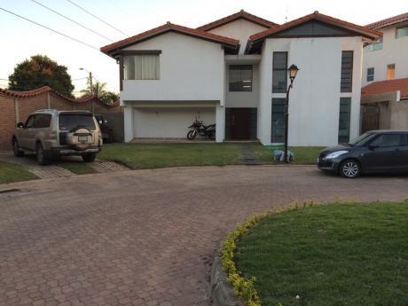 Casa En Condominio Privado || 5to Anillo Y Beni || T: 400 M2 C:350 M2