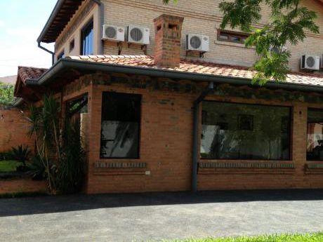 Vendo Hermosa Residencia En Bo.herrera !!! 3 Cuadras De Mcal Lopez