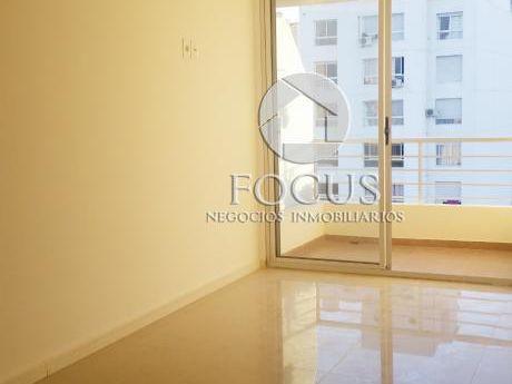 Venta Apartamento 1 Dormitorio Con Terraza En Parque Rodó Con Renta