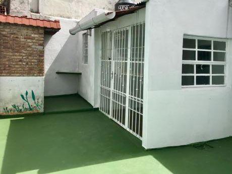 Alquiler Apto Pocitos 2 Dorm C/patio C/parrillero Guayaqui Y Gestido