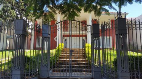 Alquilo Residencia En Barrio Jara