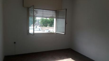 Oportunidad En La Blanqueada, 2 Dormitorios, Bajos Gc!!!