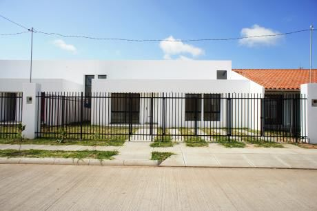 Casa En Alquiler Zona Norte - Urb Remanso III