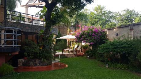 Alquilo Hermosa Casa En Barrio Mburucuya 700m2