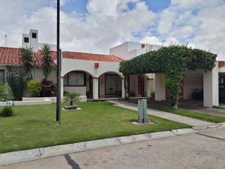 Hermosa Casa En Venta - Condominio La Hacienda