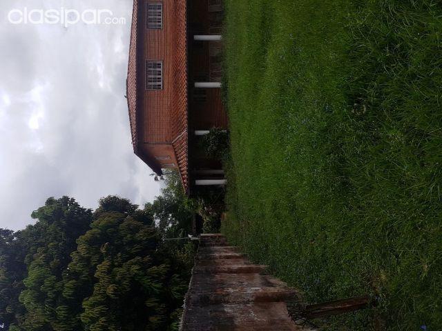 Vendo Casa En Esquina Los Laureles