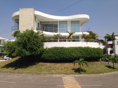 """Casa En Barrio Norte Con """"nuevo Precio"""""""