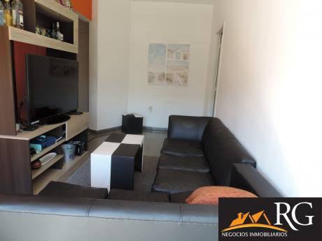 Apartamento Al Frente De 1 Dormitorio, Con Gran Terraza Disfrutable!