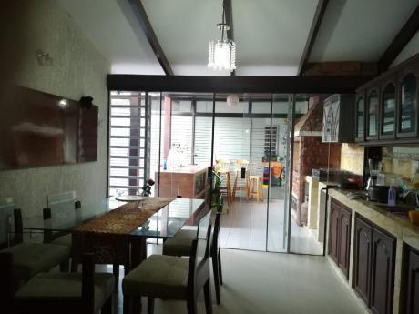 Inmobiliaria Ofrece: En Anticrético Casa  Zona Oeste Av. Av Piraí
