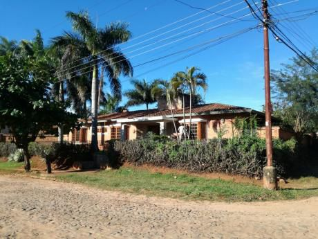Casa En Luque Z/ Villa Policial A Mts De Av. Gral. Manuel Britez
