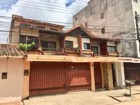 Casa De Dos Plantas En Venta Zona Norte