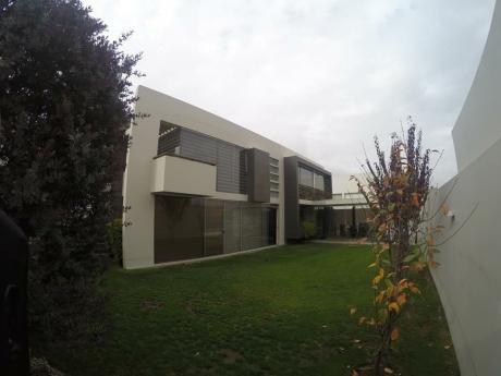 Hermosa Casa Minimalista