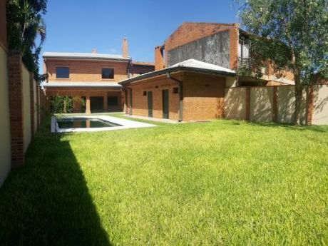 Vendo Casa A Estrenar De 4 Dormitorios En Bo. Herrera