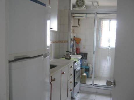 Alquilo De Forma Anual (12 Meses) Apartamento En Punta Del Este
