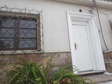 Casa, Proxima A Cufre Y Boulevar Artigas