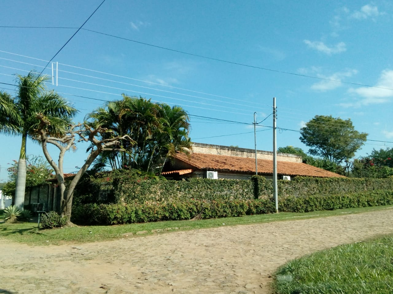 Vendo Casa Con Hermoso Jardin En Loma Pyta