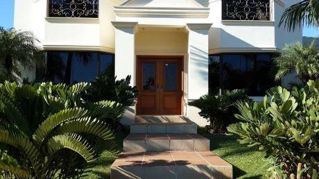 Residencia Premium - 1.500 M2 Condominio Country , Montesol