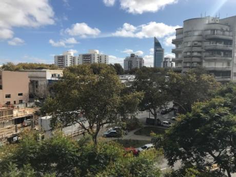 2 Dormitorios Y Servicio En Av Libertador Y Valparaiso