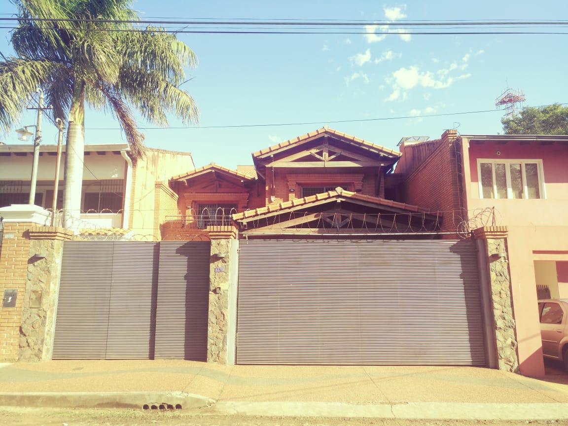 Vendo Hermosa Y Amplia Casa En Los Laureles